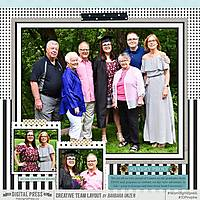 2018_0606-EPHS-Graduation-FAMILY-LEFT-WEB-TDP.jpg
